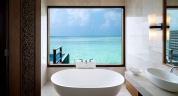 Anantara_Veli_Maldives_Deluxe_Over_Water_Pool_Bungalow_Bathroom_Interior_1920x1037