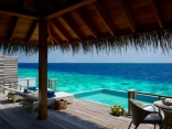 Dusit-Thani-Maldives_Water_Villa Private deck