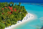 Kurumba-Maldives_Beachside