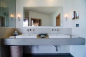 Mirihi-Island-Resort-Maldives_Water-Villa Bathroom