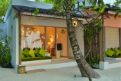 oblu-by-Atmosphere-helengeli-Maldives_Deluxe-BeachVilla-004