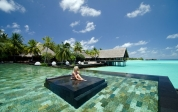 one-and-only-reethi-rah-maldives_Pool