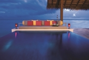 one-and-only-reethi-rah-maldives_Grand Water Villa Pool
