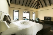 Outrigger-Konotta-Maldives_resort-interior-room