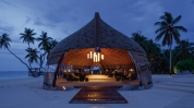 Park-Hyatt-Hadahaa-Maldives_Dhoni reception area