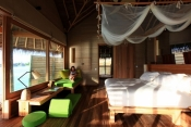 Six-Senses-Laamu-Maldives_Water_Villa_Interior3